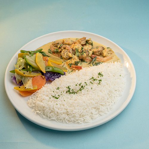 Steamed Rice with Prawn Curry, Mango Chutney and Tomato Onion Salad