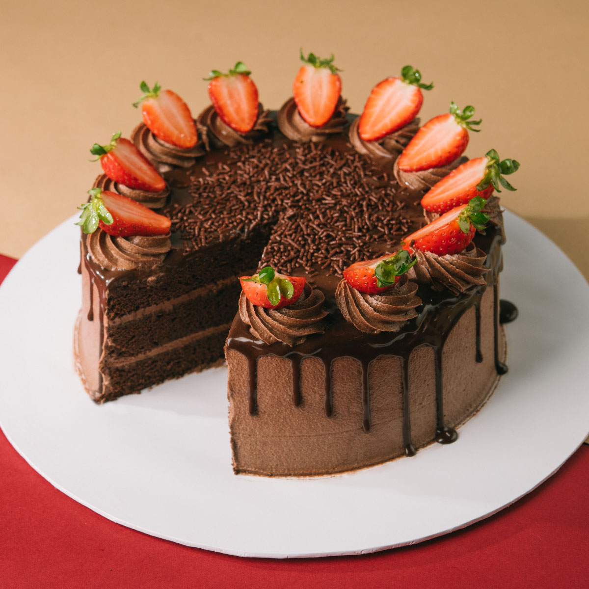 Chocolate Cake with Strawberry - 1kg